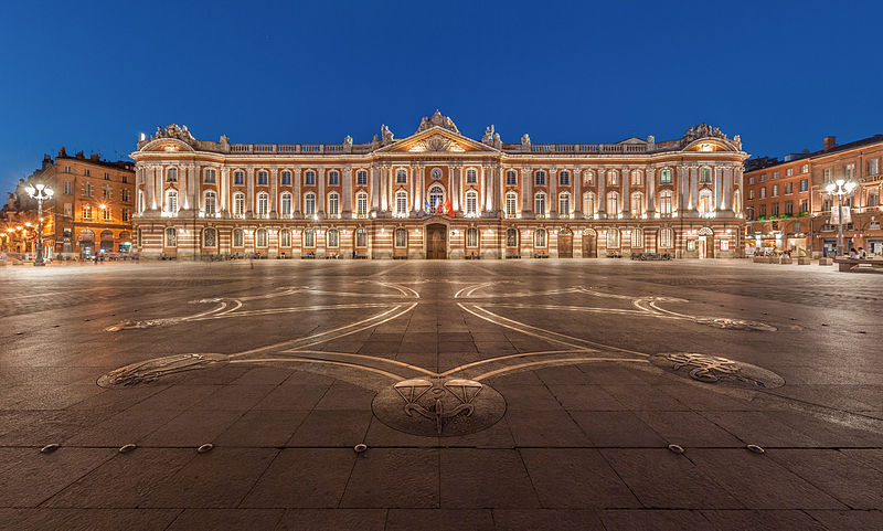 Toulouse Capitole Night Wikimedia Commons